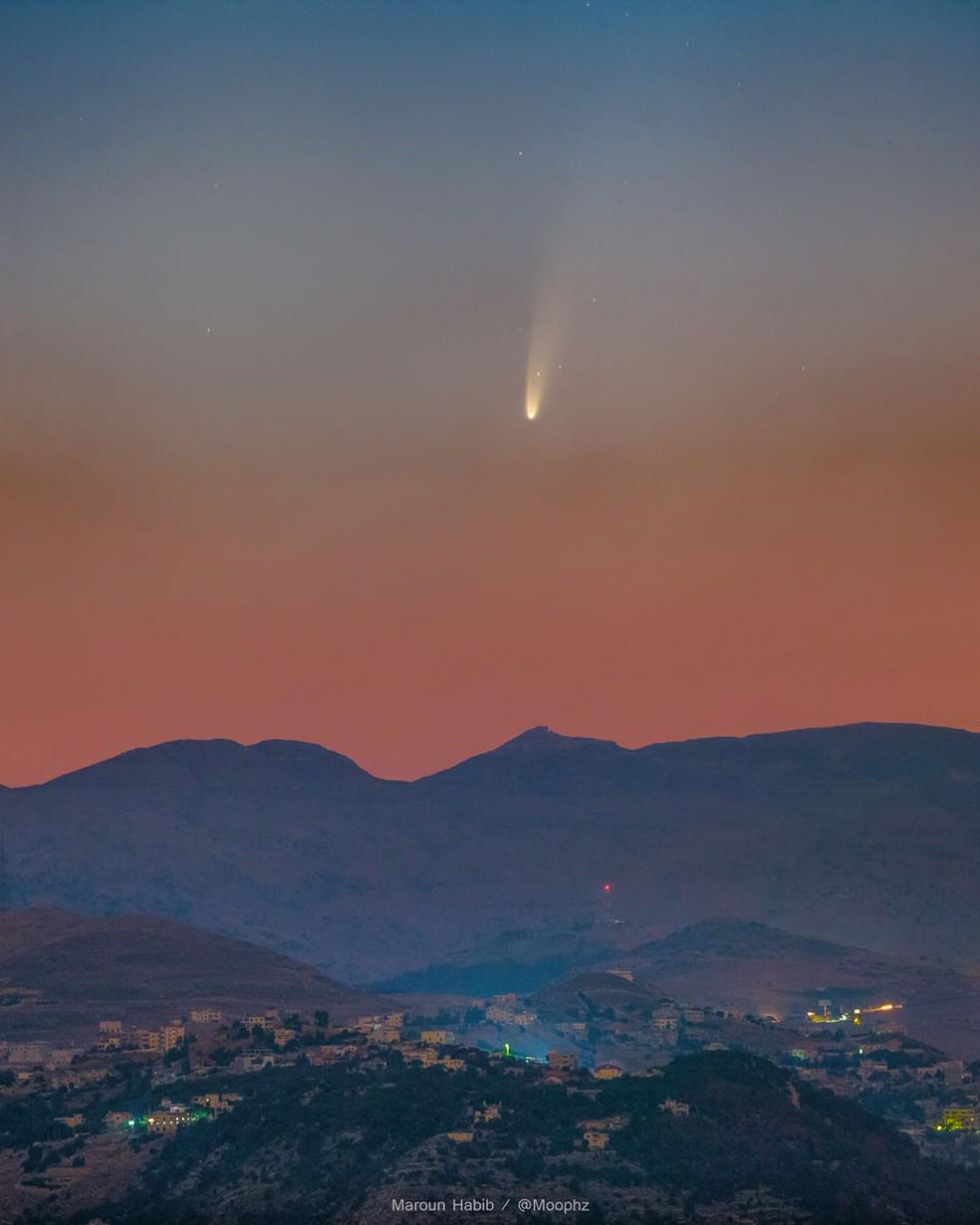 Cometa Neowise é fotografado no Líbano